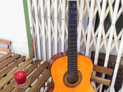 Rent a Guitar in faro portugal